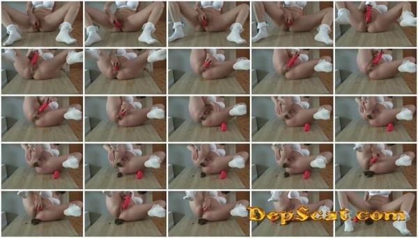 Poop with Talk Maria Devot - Scat / Austria [FullHD 1080p/229 MB]