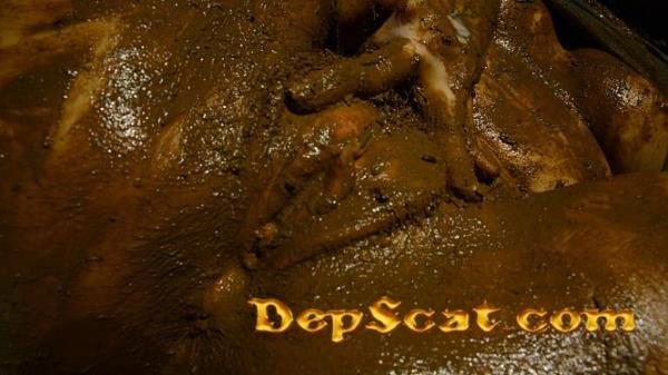 Marvelous Insane UPside Down Scat DirtyBetty - Solo Scat, Masturbation [FullHD 1080p/679 MB]