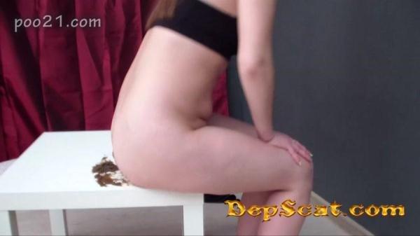 Milana Pooping in Panties With Farting MilanaSmelly - Scat / Poo [HD 720p/509 MB]