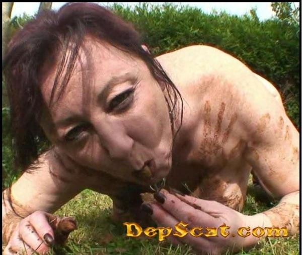 Outdoor Toilet Slut – French Scat Slut Chienne Mary - Extreme Scat / Amateurs Scat [HD 720p/694 MB]