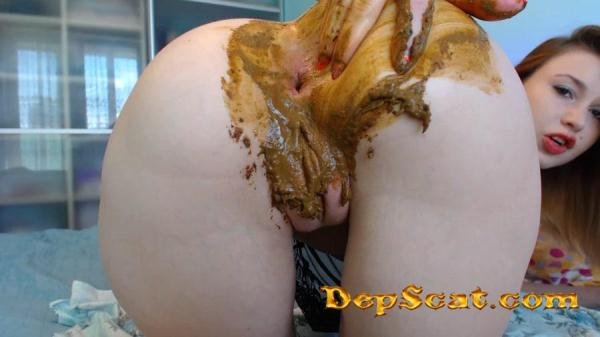 Poo play with toy and fingers, Farting DirtyLena - Poop Videos / Solo [FullHD 1080p/958 MB]