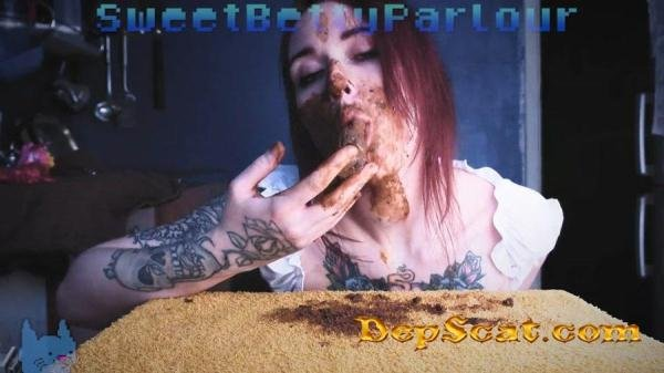 Im PLAY with my DOLL SweetBettyParlour - Pooping Girls / Amateurs Scat [HD 720p/139 MB]