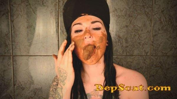 French Kiss With Shit SweetBettyParlour - Big pile / Solo [FullHD 1080p/501 MB]