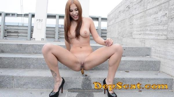 Solo Scat Girl - Mikaela Wolf Mikaela Wolf - Scat, Pissing [FullHD 1080p/4.38 GB]