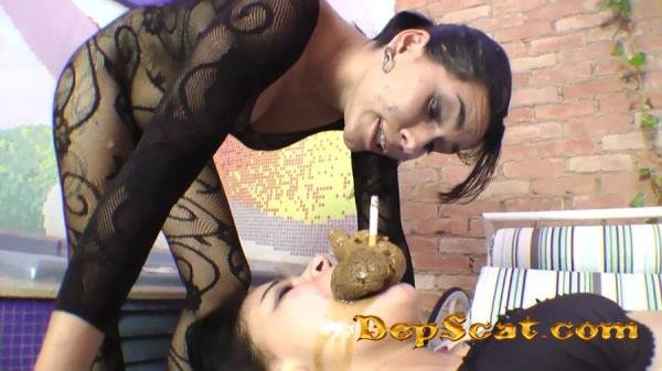 Scat Deep Hand And Real Swallow Barbara Ferraz - Femdom, Lesbian, Facesitting [FullHD 1080p/2.28 GB]