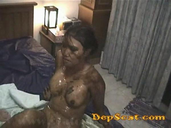 Shit Part 04 Honey Bee - Scat, Asian [SD/90.3 MB]