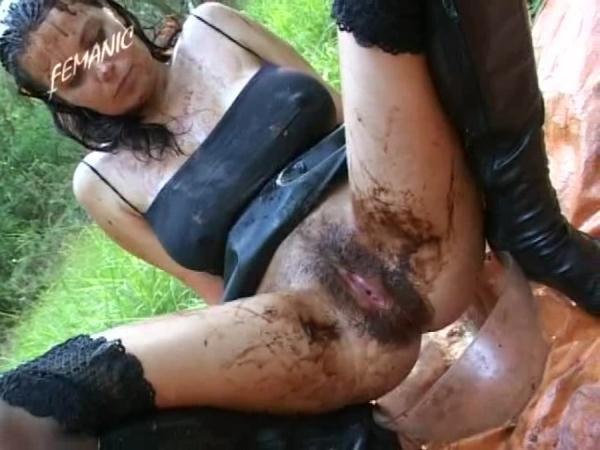 Shitty Girls 2 Girls Scat - Shit Games, Lesbo Scat [DVDRip/768 MB]