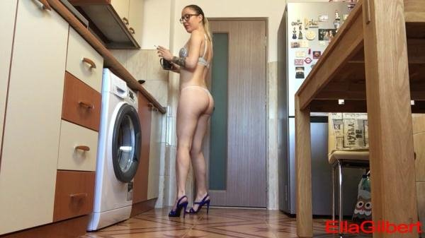 Using u as my toilet and ashtray EllaGilbert - Solo Scat, Pooping Girl [HD 720p/739 MB]