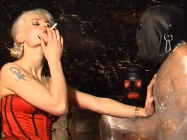 Friss Syonera Styx - Smoking, Femdom Scat [DVDRip/700 MB]