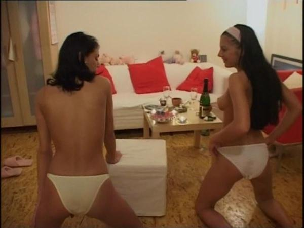 Street & Panty Kaviar 4 ShitGirls - Germany, Scatology [DVDRip/982 MB]