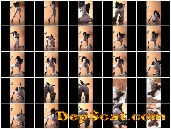 Desperation 11 Kim Koettbullar - Amateur Scat, Solo [HD 720p/215 MB]