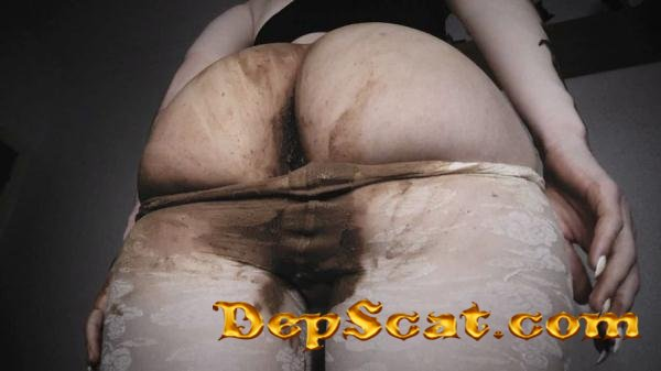 INSANE scat girl SHITTING in PANTYHOSE DirtyBetty - Panties, Scatting [HD 720p/572 MB]