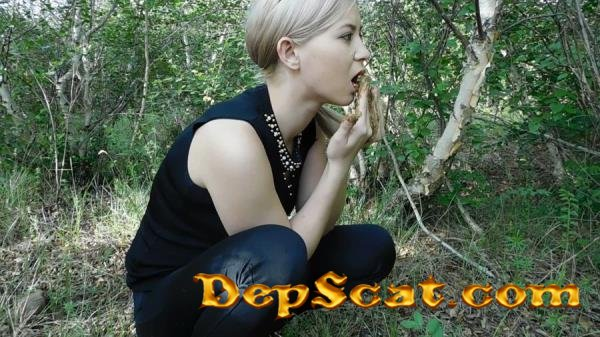 Breakfast in the forest with shit KatyaKASS - Poop, Solo [FullHD 1080p/481 MB]