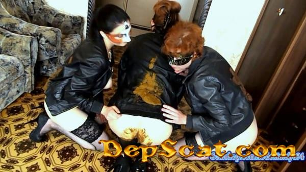 Shit on my friend's leather jacket ModelNatalya94 - Poop, Defecation [FullHD 1080p/1.32 GB]