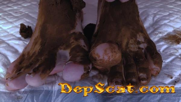 AMAZING Shit on my Sweet Feet DirtyBetty - Foot, Pooping [FullHD 1080p/246 MB]