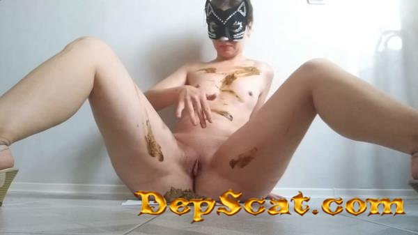 Pooping smearing sitting in shit and striptease nastygirl - Piss, Efro, Solo [FullHD 1080p/1.22 GB]