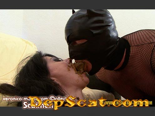 VM30 - SCATMAN Veronica Moser, 1 male - Latex, Humiliation, Milf [HD 720p/1.29 GB]