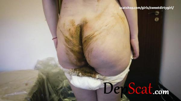 Poop in to diapers KatiePoo - New scat, Shitting Ass [FullHD 1080p/405 MB]