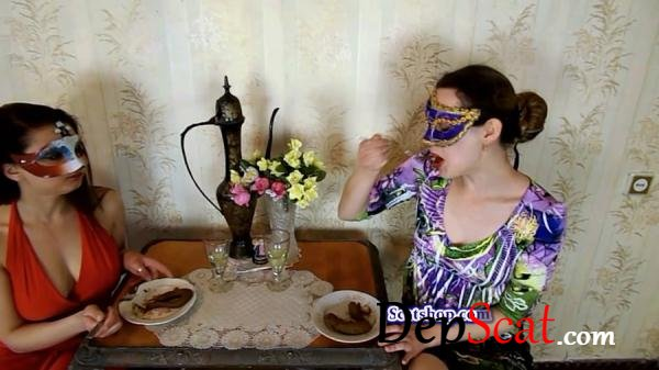 Carolina and Alice eat their poop ModelNatalya94 - Amateur, Lesbians [FullHD 1080p/1.19 GB]