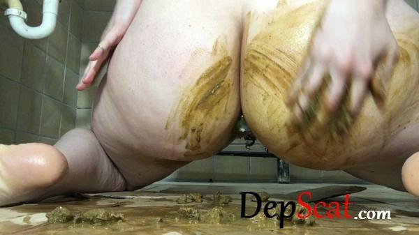 Shitty Pussy Masturbation 2 ChubbiBunni - Scat Giant, Solo [HD 720p/434 MB]