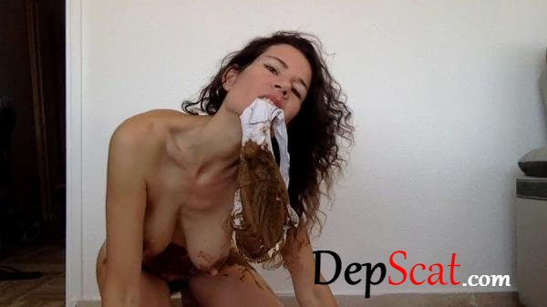Pooping in my new white panty nastymarianne - Milf, Amateur [HD 720p/441 MB]