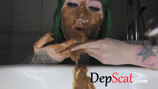 What's this? A girl with shit? DirtyBetty - New scat, Solo [FullHD 1080p/954 MB]