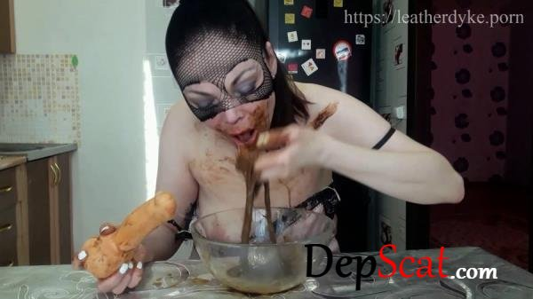I eat shitty womit (part 2) ScatLina - Extreme Scat [FullHD 1080p/1.63 GB]