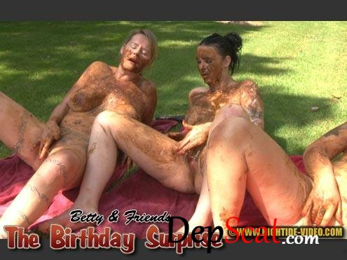 BETTY And FRIENDS - THE BIRTHDAY SURPRISE Betty, Sexy, Marlen - New scat, Outdoor [HD 720p/1.10 GB]