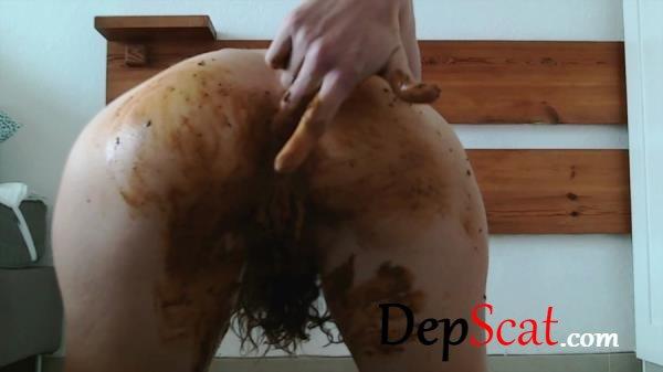 Pee and poo grey panty Nastymarianne - Masturbation, Hairy [HD 720p/783 MB]