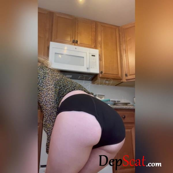 Desperate Kitchen Panty Poop (First Vid!) Sophia_Sprinkle - Scat, Solo [FullHD 1080p/1.12 GB]