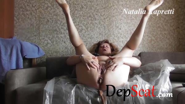 Big shit for Breakfast Milf - Defecation, Solo [HD 720p/268 MB]