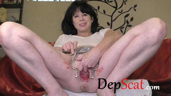 Period, Peehole and Prolapse Dirtygardengirl - Prolapse, Solo, Milf [FullHD 1080p/835 MB]