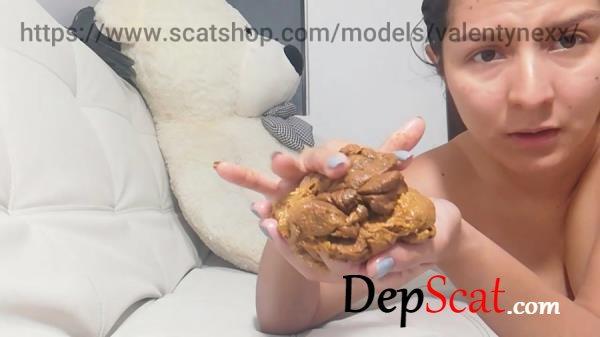 Half soft and half hard Poo Valentynexx - Defecation, Solo [HD 720p/155 MB]