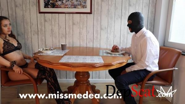Noble Scat Breakfast with the Mistress MissMortelle -  [FullHD 1080p/1.05 GB]